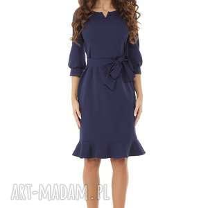sukienki elegancka sukienka z dziubkiem i falbaną