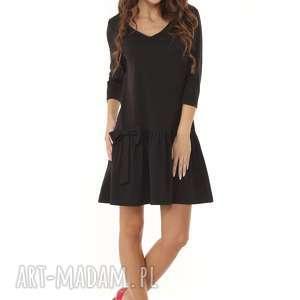 sukienki: Sukienka z falbaną i kokardą czarna - midi z-falbaną