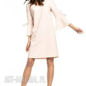 unikatowe sukienki prosta, luźna sukienka z fikuśną falbanką przy