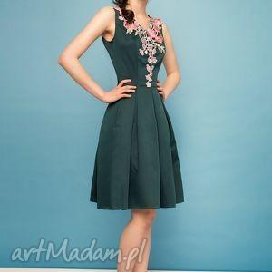 sukienki studniówka sukienka z kolorowym haftem zl