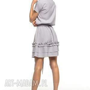 1677679658 frapujące sukienki - sukienka z ozdobną falbanką na spódnicy