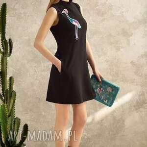 wyjątkowe sukienki sukienka z żurawiem