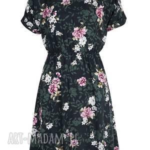 atrakcyjne sukienki sukienka urocza z pięknym kwiatowym wzorem na