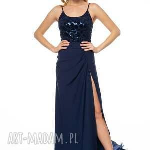 tren sukienki suknia malasia