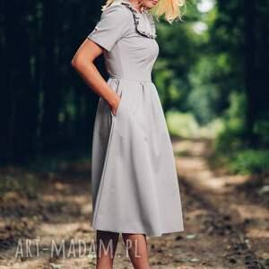 sukienki midi szara sukienka z falbanką