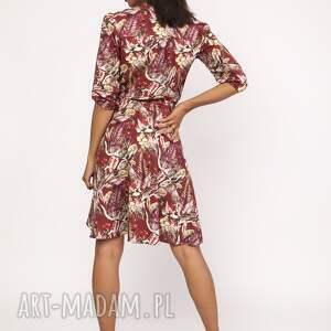 intrygujące sukienki uniwersalna sukienka z delikatną