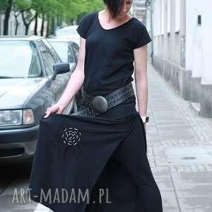 sukienki spodium w labiryncie złudzen kombinezon