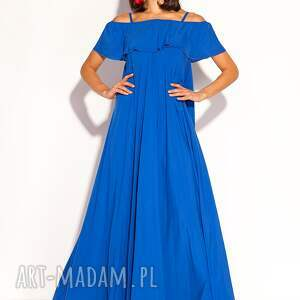 piękna sukienka typu oversize uszyta