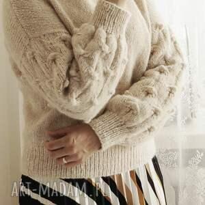 handmade swetry sweter beżowy bomberek