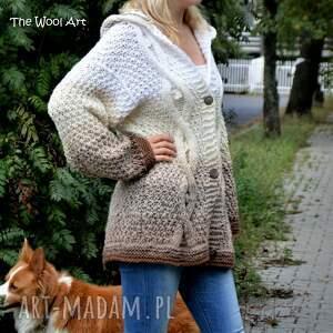 białe swetry sweter big