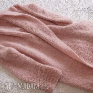 sweter swetry bladoróżowy długi kardigan