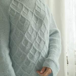 swetry: błękitno miętowy sweter dziergany