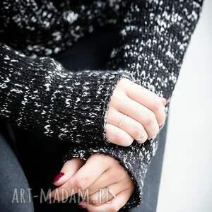 niesztampowe swetry sweter ciepły, czarny, kimonowy