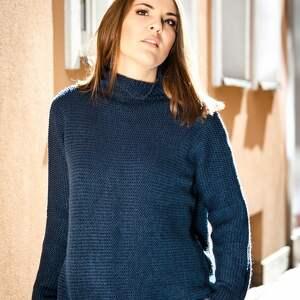 efektowne swetry z golfem ciepły, granatowy sweter