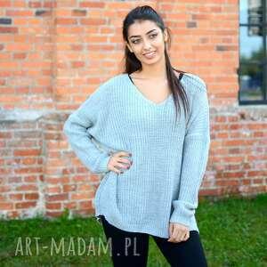 pomysł na prezent święta lekki damski sweter oversize, jesienny