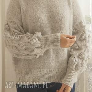handmade swetry sweter jasno szary bomberek