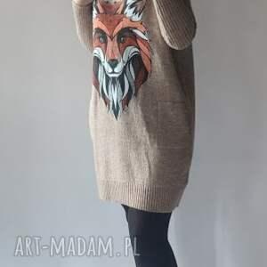 ciekawe swetry klasyczna sukienka a kieszeniami
