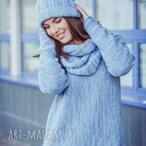 niebieski swetry melanżowy sweter
