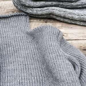 ręcznie wykonane swetry półgolf szary