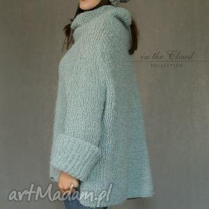 MonDu swetry: Sweter oversize w bladej morskiej zieleni - golf dziergany