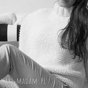 masywny swetry sweter w ciepłym beżu