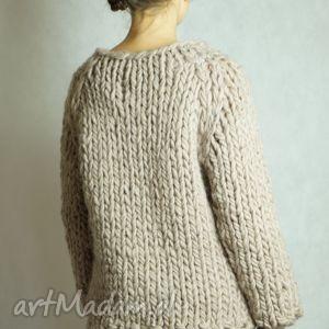 wyjątkowe swetry sweter warm-beige chunky