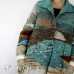 geometryczne wzory swetry beżowe wełniany sweter