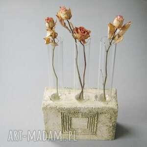 niepowtarzalne świeczniki wazon pomysłowy świecznik