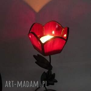 Galeria Limart Tulipan czerwony. Uroczy świecznik tworzący niezwykle miły nastrój. Super prezent