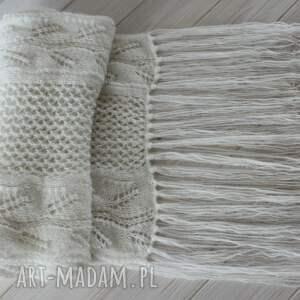 eleganckie szaliki ażur biały szal z frędzlami