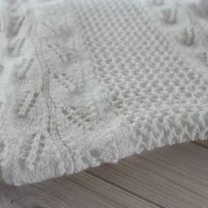 eleganckie szaliki ażurowy biały szal z frędzlami