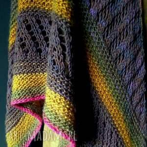 The Wool Art szaliki: duża asymetryczna chusta - na szyję nadrutach