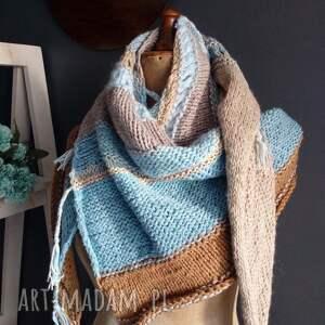 szaliki: duża chusta - wełniana na drutach
