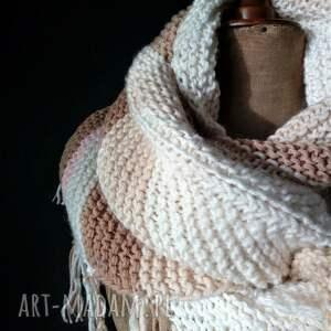 szaliki: duża ciepła chusta - pastelowachusta nadrutach