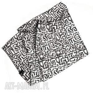 szalik szaliki czarne elegancki szal koło tuba