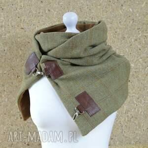 Green Sheep Oliwkowy szal wełniany ze skórą w kratkę szalik