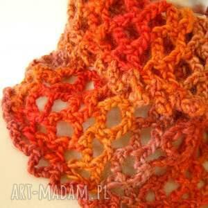 szalik szaliki otulacz ażurowy w czerwieniach