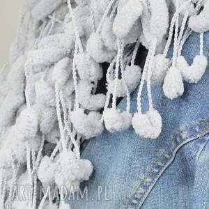 szal szaliki pom-pon scarf - szary