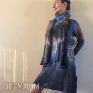 nietypowe szaliki szal ręcznie barwiony z jagnięcej