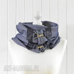 jeansowy szaliki szal niebieski z granatową skórą