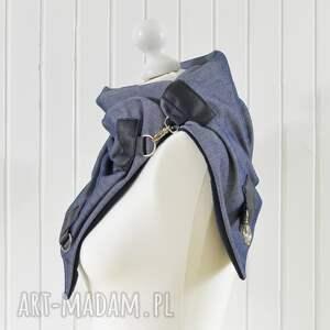 urokliwe szaliki szal niebieski z granatową skórą