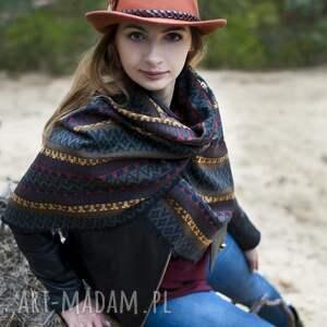 pomarańczowe szaliki chusta szal ze skórą w azteckie wzory