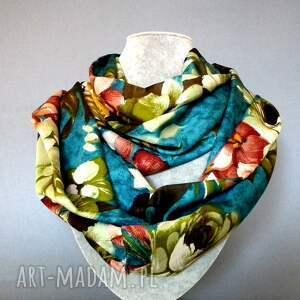 szaliki szal szalik na wiosnę w kwiatowy