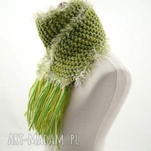 szaliczek szaliki szalik zielony z frędzlami