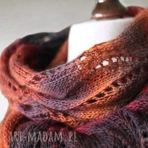 brązowe szaliki knitwearfactory wielokolorowy ażurowy szal z wełny
