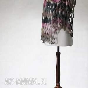szal szaliki różowe wielokolorowy ażurowy