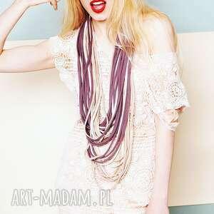 modne szaliki ażorowy zamotka dzianinowy naszyjnik lila