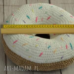 handmade poduszka szydełkowa pączek- zero