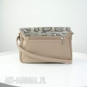 srebrne torebki listonoszka elegancka beżowy odcień