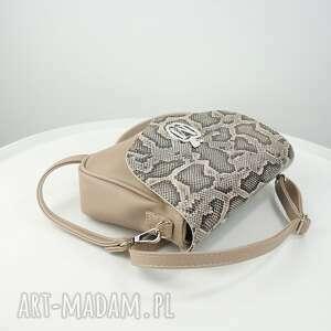 torebka torebki beżowe elegancka listonoszka beżowy odcień